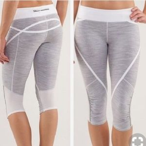 Lululemon Athletica gray and white workout capri